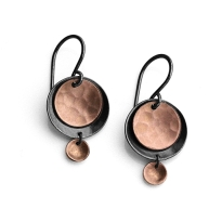 MOMrose-gold-crescent-earrings-512px-512px kara daniel