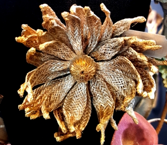 Sarah Cavender flower brooch